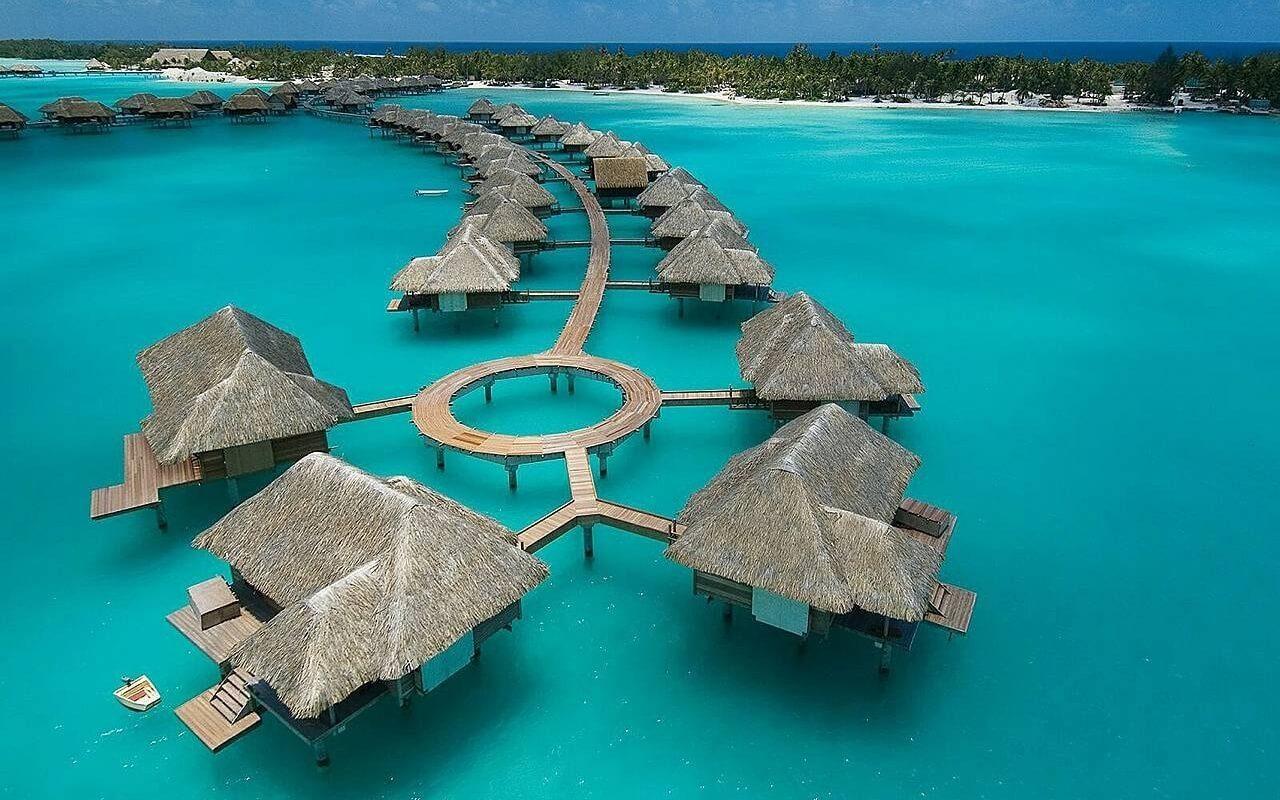 bora_bora_island_hotels_water_sky_82716_1280x800 (1)
