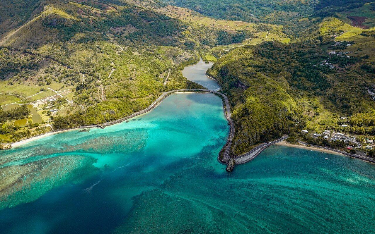 island_aerial_view_ocean_128667_1280x800 (1)